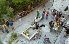 Mercado de los viernes en Torri Superiore. Aceite de oliva, vino, miel, limones, cerámica...
